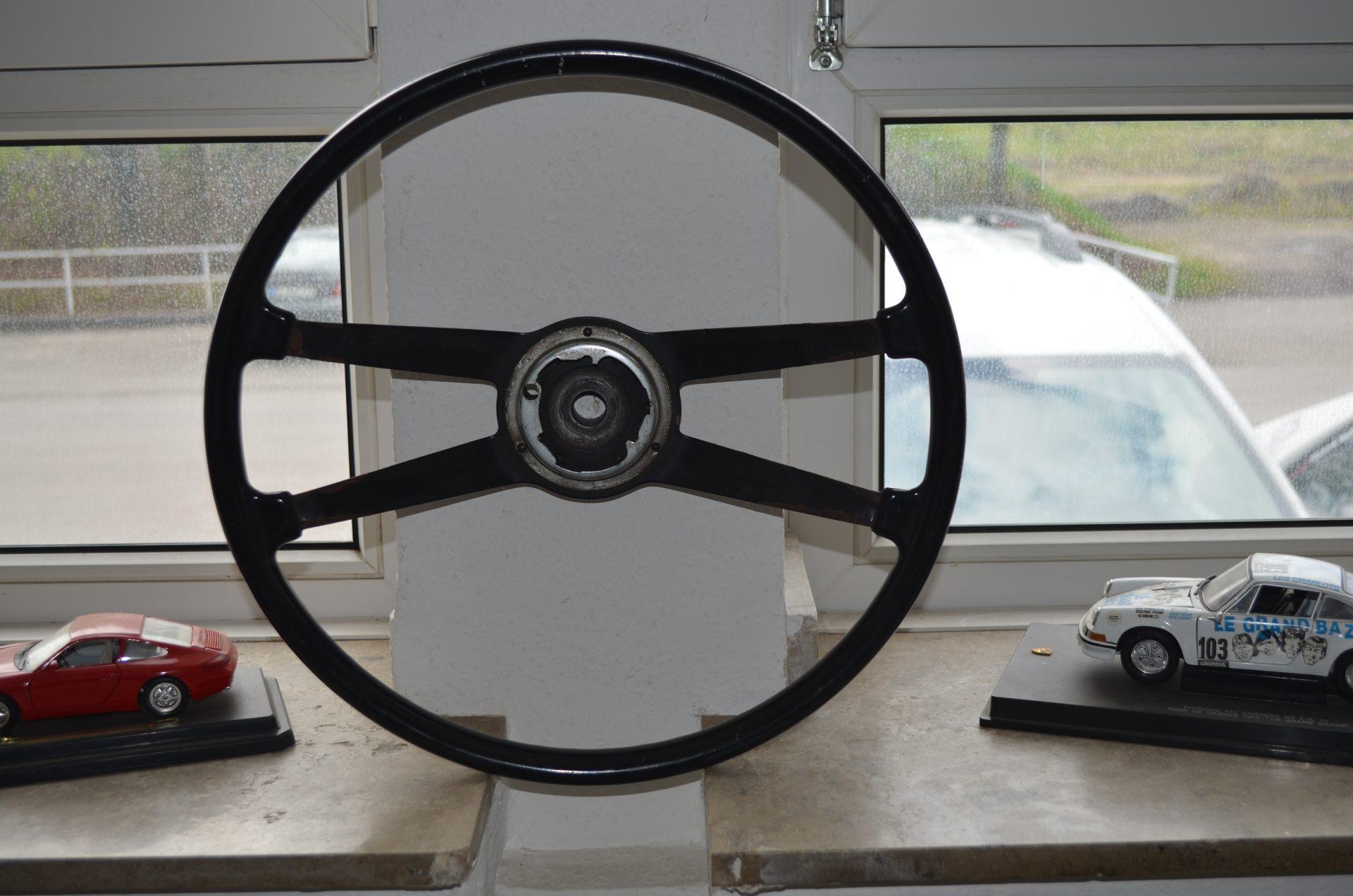 Lenkrad 40cm Durchmesser (Bekalit) Image